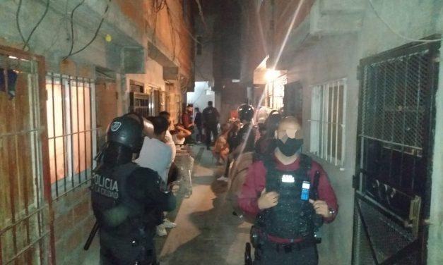 Policía de la Ciudad desbarató fiesta clandestina en el Barrio Fraga