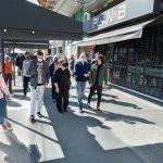 Alejandro Amor recorrió Parque Chas y dialogó con comerciantes, acompañado por militantes del Frente de Todos